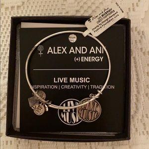 ✨NWT✨Alex and Ani bracelet